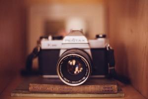 camera-349943_1280